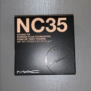 MAC Cosmetics studio fix powder NC35